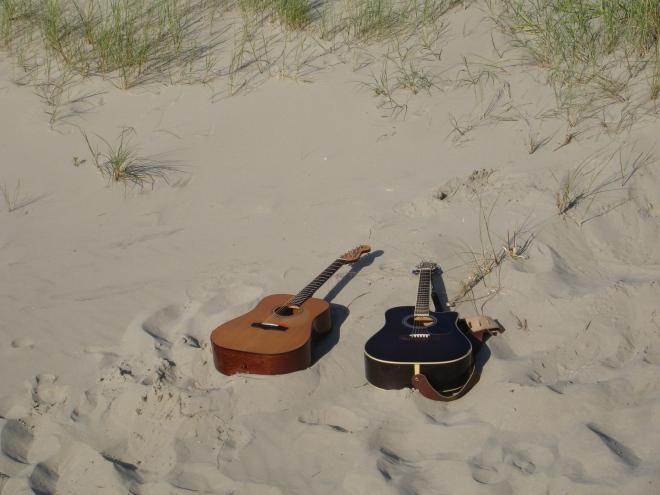 Gitarer på stranden